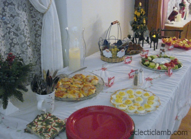 HolidayPartyTable