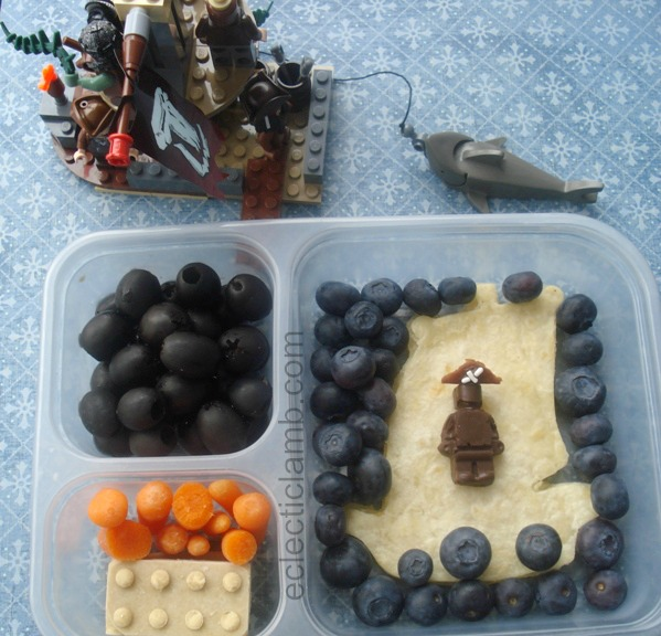 Lego-Pirate-Lunch