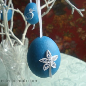White Flower with Stem Quilled Egg