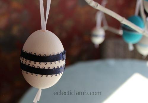 Dk Blue Ribbon Egg