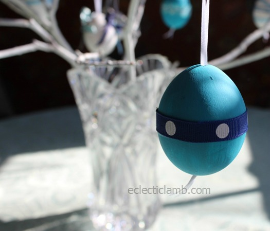 Dot Ribbon Egg