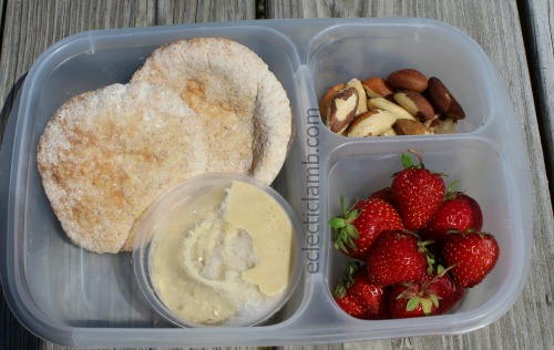 Pita Hummus Lunch