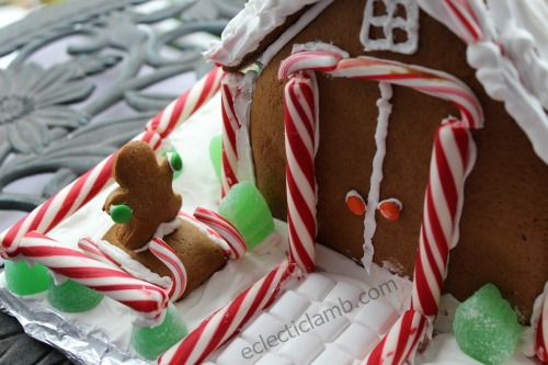 Gingerbread House Gingerbread Man Sleigh Close
