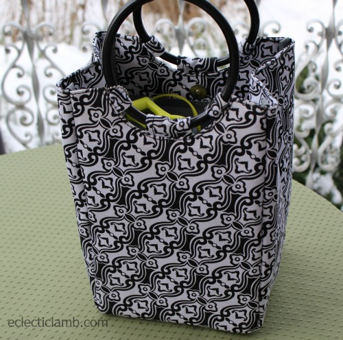 Fit and Fresh black and white bag