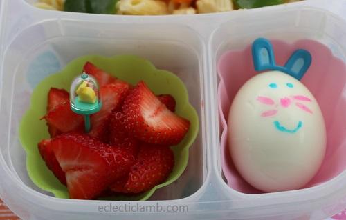 Bunny Pick Egg Close
