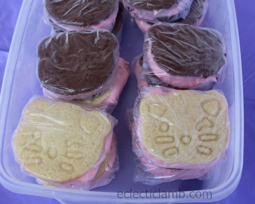 Vanilla and Chocolate Cat Ice Cream Sandwiches