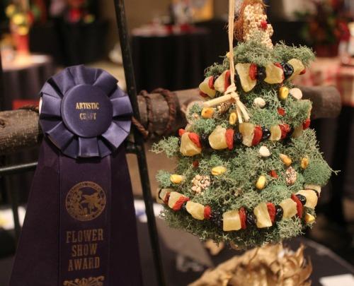 blue-ribbon-winner-christmas-tree