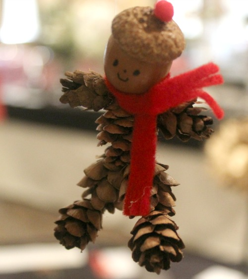 gift-for-tree-flower-show-acorn-man