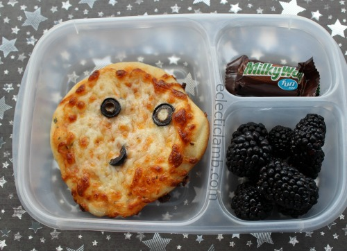 man-on-the-moon-pizza-lunch