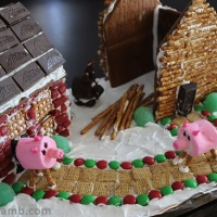 Three Little Pigs Gingerbread