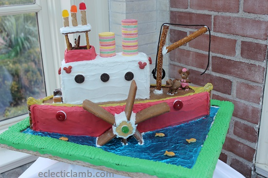 Gingerbread boat.jpg