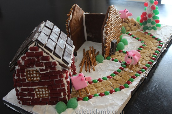 Three Little Pigs Gingerbread.jpg