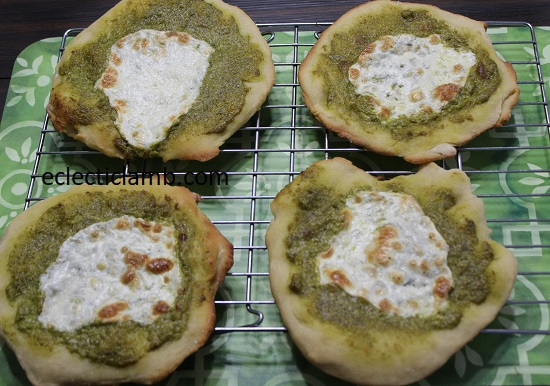 Pesto Fresh Mozz Pizzas