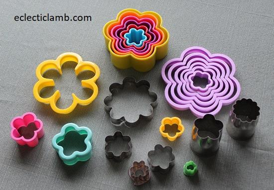 Round Petal Flowers Cookie Cutters.jpg