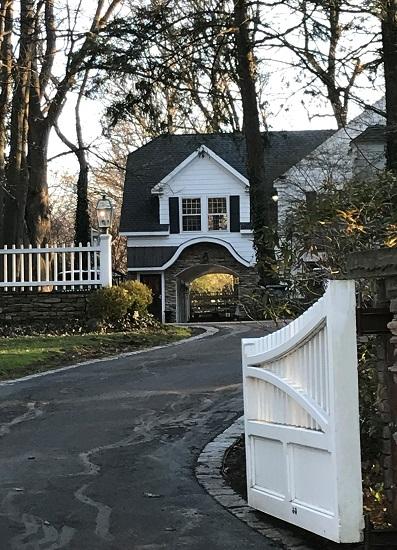 White House Elmwood